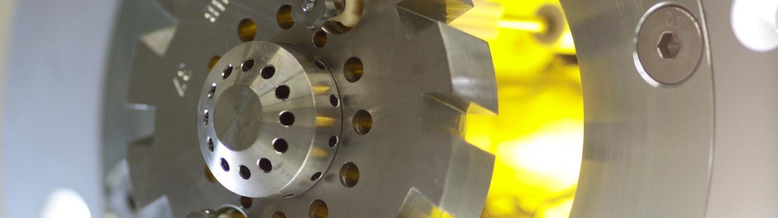Regelmäßige Wartungen und Optimierungen an Industrieöfen